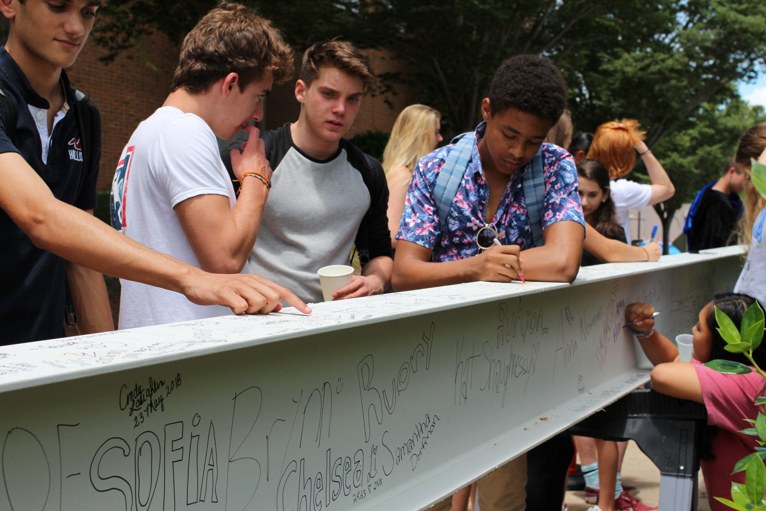 Signing the CMS Beam