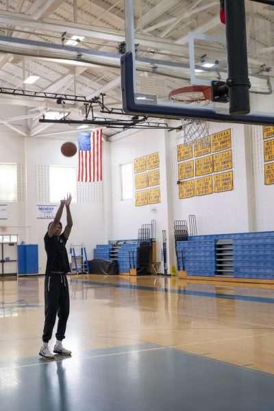 Trey Murphy practicing in Cary Academy's FC gym